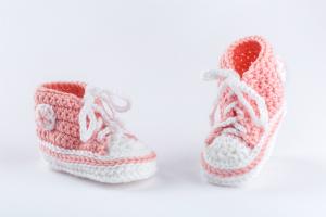 babyfinkli-gehaekelt-pastellrosa