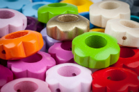 Motivperlen Lochblume in 11 Farben verfuegbar