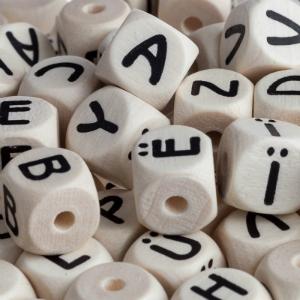 Buchstaben Holz geprägt