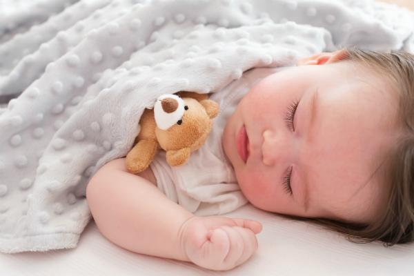 Babys erstes Plueschtier