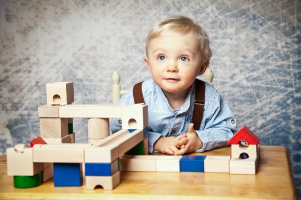Holzspielzeug ist traditionell und hat viele gute Besonderheiten
