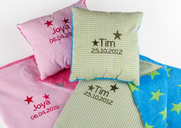 Kuschelset aus Decke und Kissen personalisiert