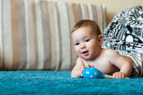 Das Lernen von Formen und Farben beginnt bereits in der Babyphase