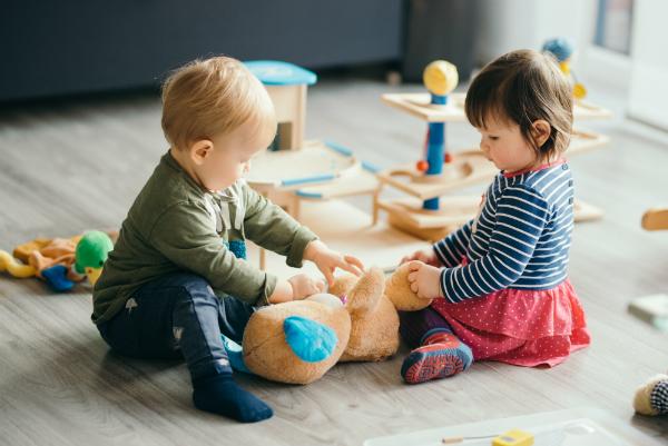 Kleinkinder beim Spielen