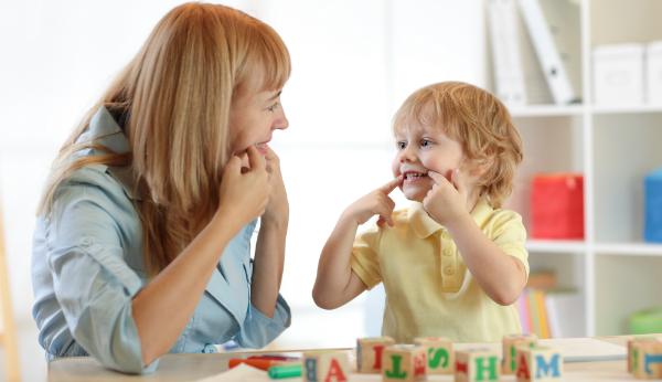 Selbst gemachte Spiele können einen besonderen Lerneffekt für Kinder haben