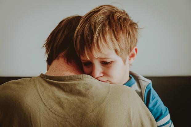 Helfen Sie Ihren Kindern beim Bewältigen der Aggressionen
