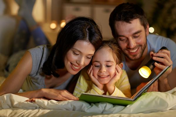 Vorlesen einer Geschichte als Einschlafritual