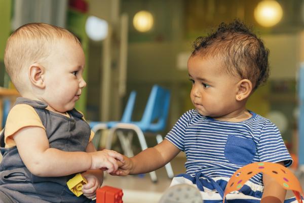 Kinder brauchen soziale Kontakte