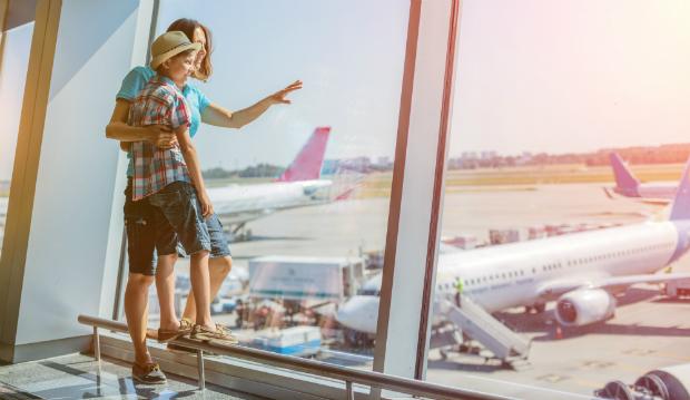 Ein Flughafen ist immer ein spannendes Erlebnis für Kinder